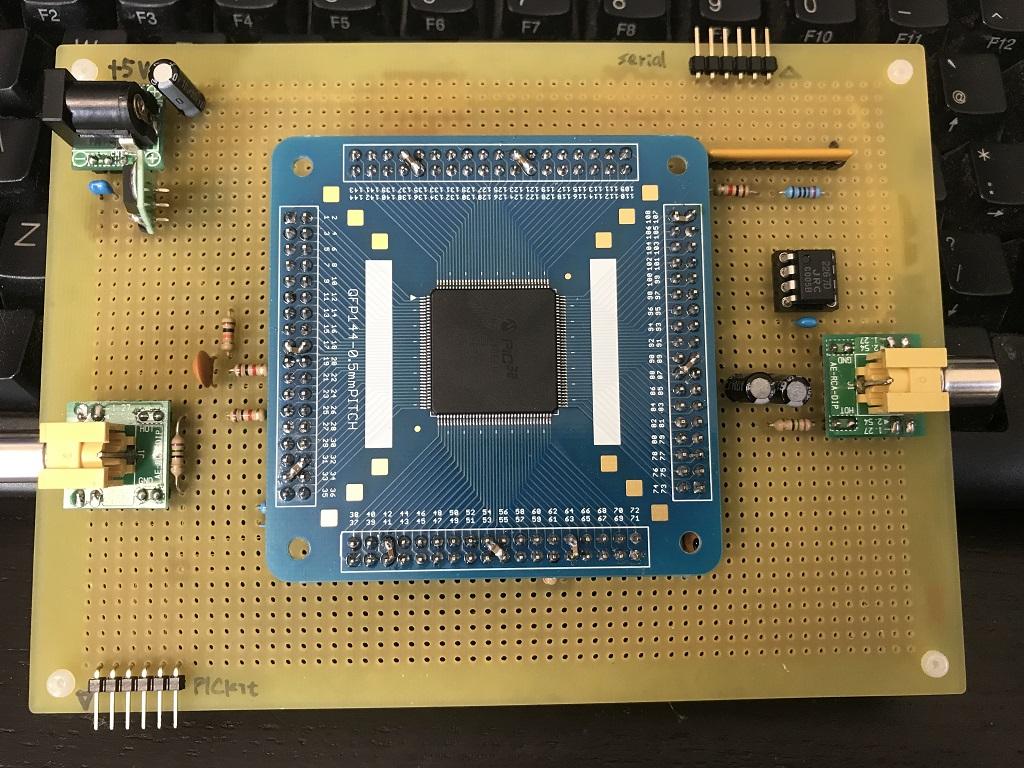 PIC32MZをユニバーサル基板に実装(表面)